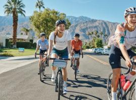 De nieuwe fietskleding voor dames door Rapha in samenwerking met Outdoor Voices