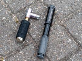 Topeak pompen voor onderweg: met de hand, CO2 of allebei?