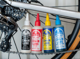 Eerste indruk: 4 keer Juice Lubes kettingolie, welke kies je?