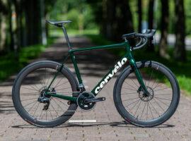 De Cervélo R5 krijgt in 2021 nieuwe kleuren en Reserve wielen