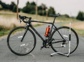 Deze e-bike racefiets is lichter dan jouw carbon racer