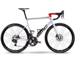 Team AG2R stapt over op BMC fietsen